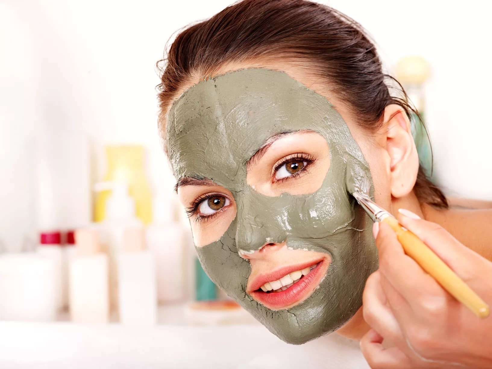 Рецепты масок для лица в домашних условиях от прыщей и черных точек