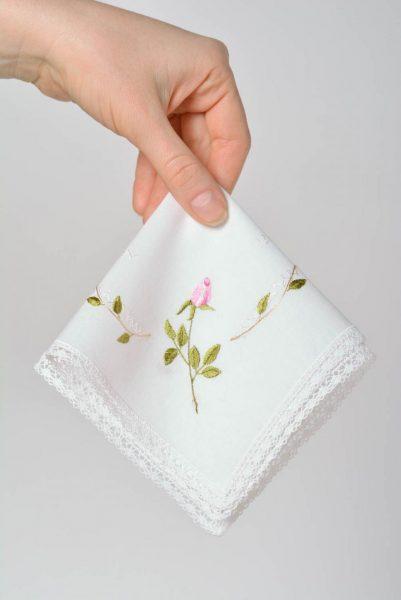 Носовой платок в руке