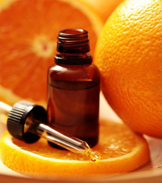 Эфирное масло грейпфрута в тёмном флаконе