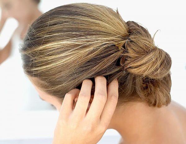 Девушка с причёской