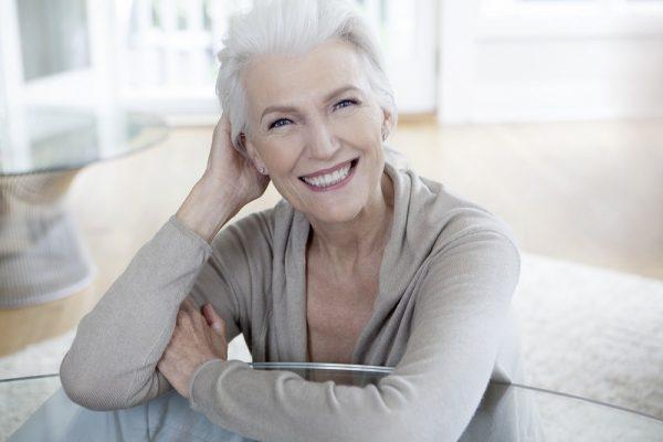 Женщина старше 50 лет
