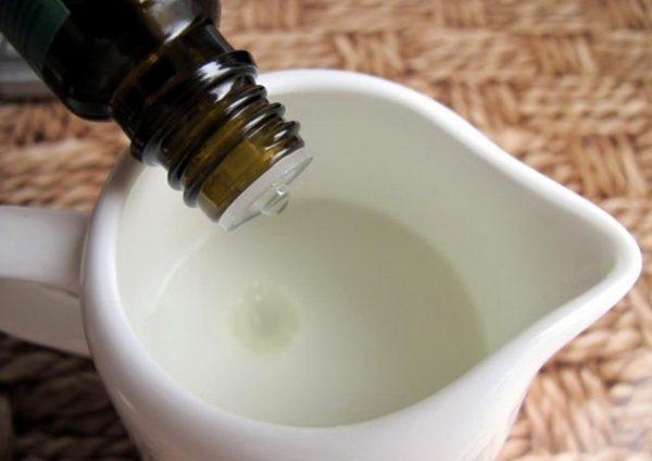 Добавление масла бергамота в шампунь