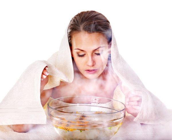 Распаривание лица над паровой баней