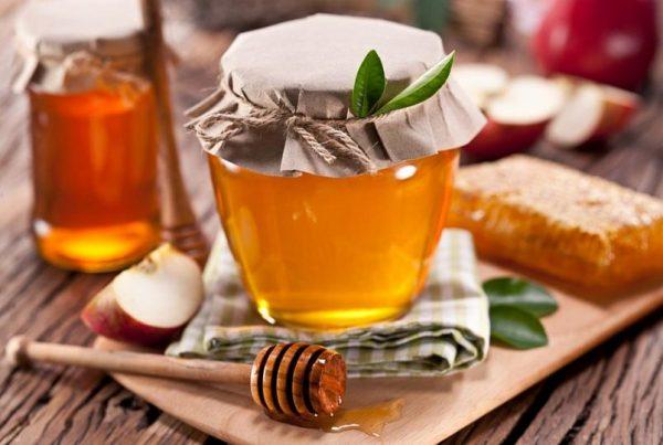 Мёд на столе