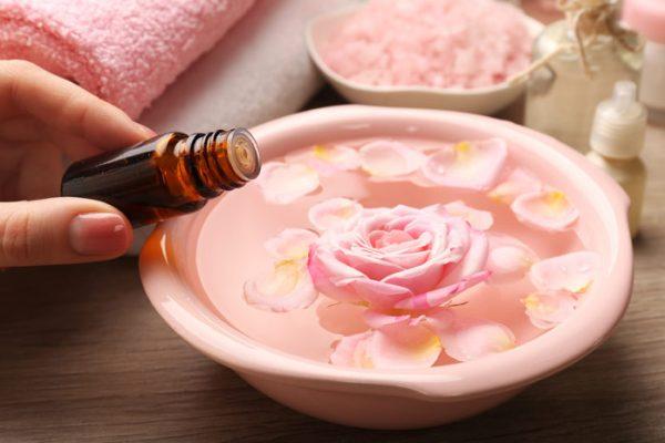 Лепестки роз и персиковое масло