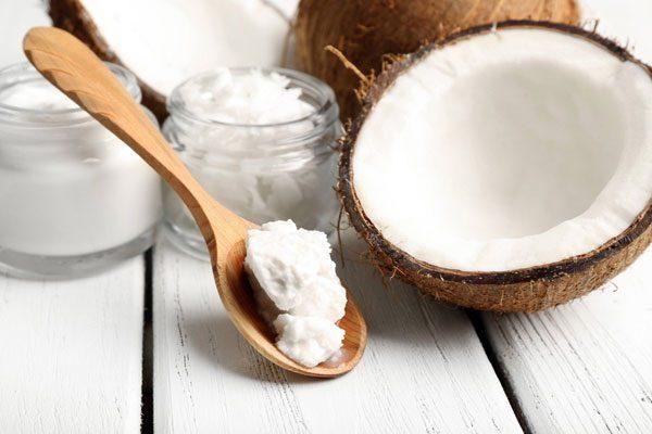 Масло и плоды кокоса